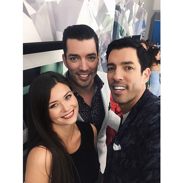 #throwback to #TIFF and the legendary #ProducersBall with the #PropertyBrothers - I'd very like to be surrounded by a bunch of @Swarovski #givebriliant crystals right now #mood  #NKPRIT17 #tiff2017 #tiff17 #toronto