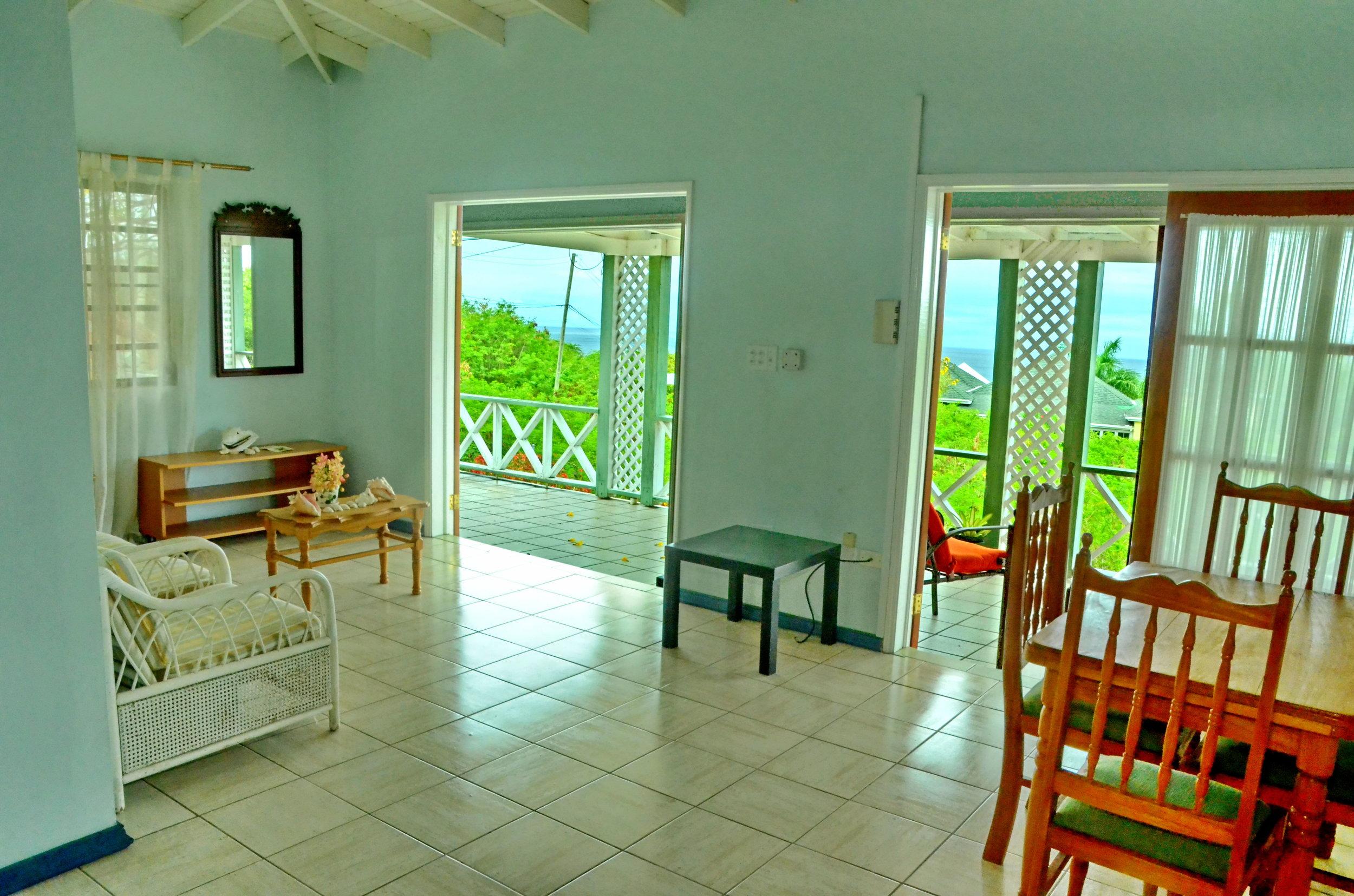marlin livingroom.JPG