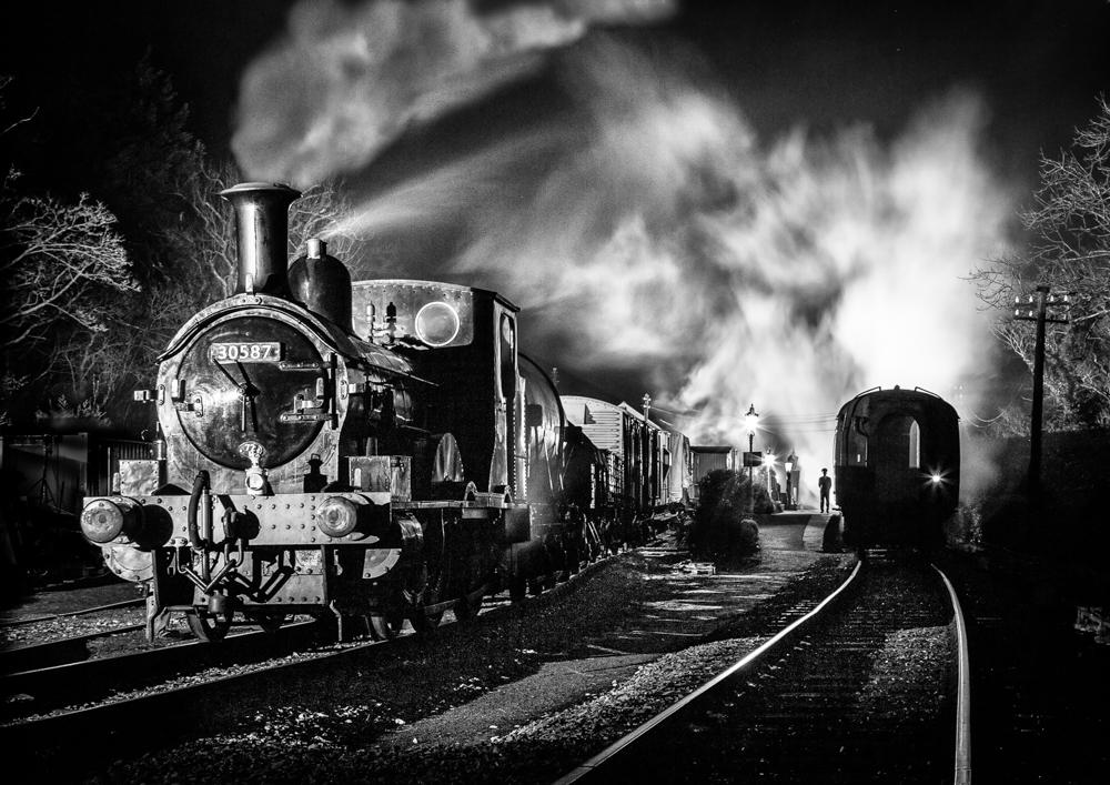Staverton Night train - STEVE CAPEWELL.jpg