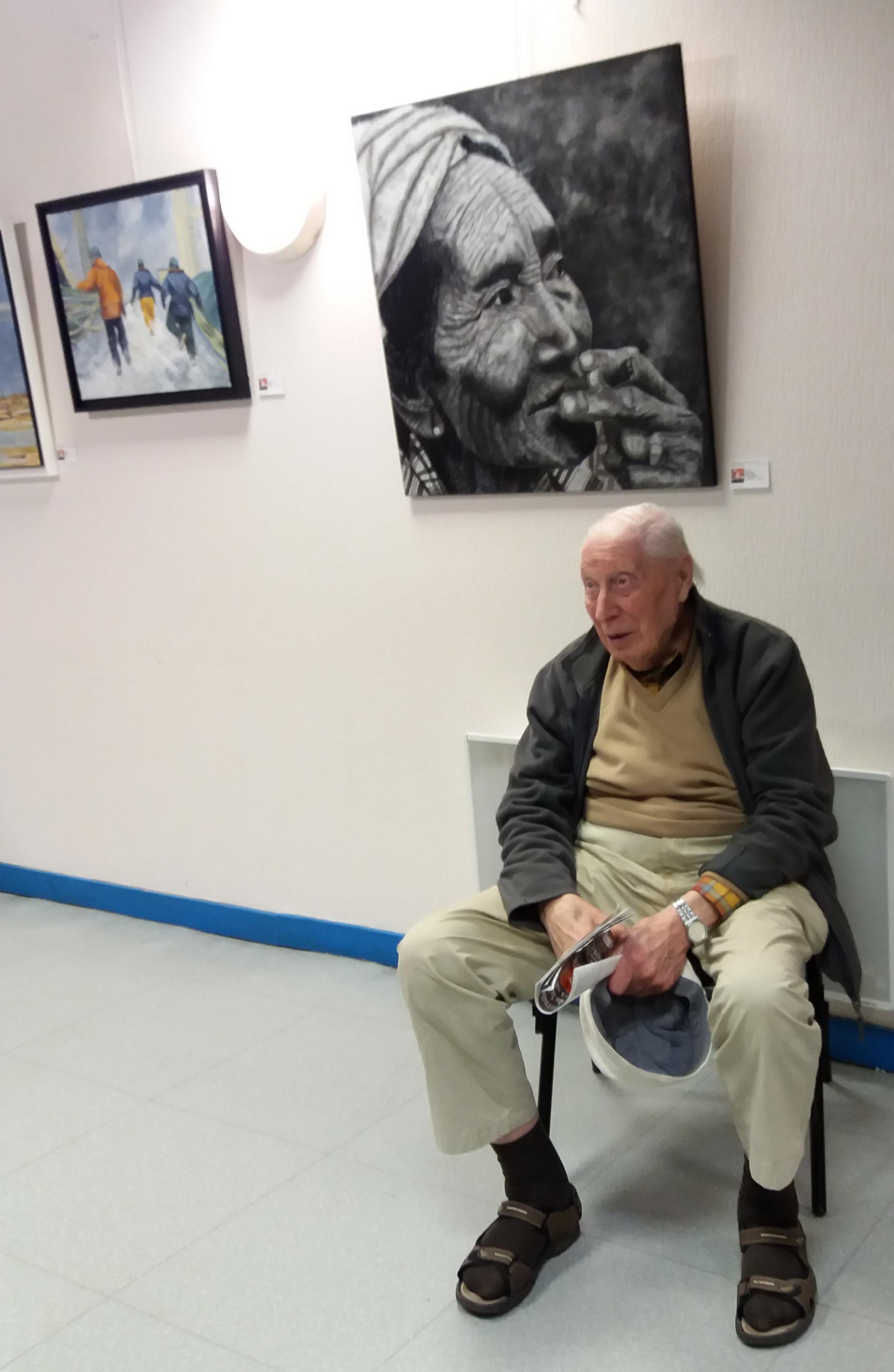 Eric Haynes in perros guirec 2017 aged 98.jpg