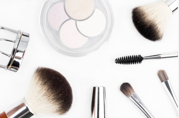 Clean Makeup Brushs - I wear makeup probably five times out the week reusing the same brushes. All that build up will cause your face to break out its like when you fall asleep with your make-up on.