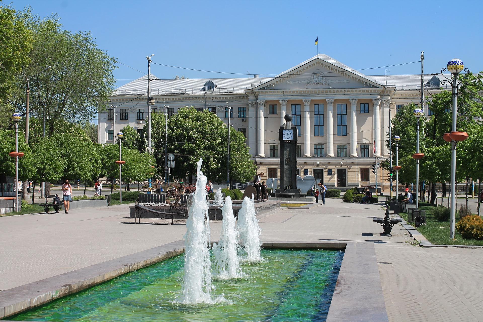 fountain-3373264_1920.jpg