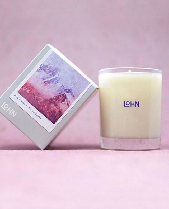 ORO 🌸 the official scent of spring, with notes of jasmine, rose and pink pepper. It also happens to be our most popular Mother's Day gift. You can win this candle along with some other gorgeous goods via @thecitizenscollective Mother's Day giveaway! ENTER through their account! Details below: * Tag someone you love under @thecitizenscollective giveaway post * Follow the tagged brands in the giveaway (@elleandmane, @woowoolab, @shop_jolielaide, @mariatrimblejewellery , @cardea_auset, @devlynvanloon) * Contest closes at midnight!