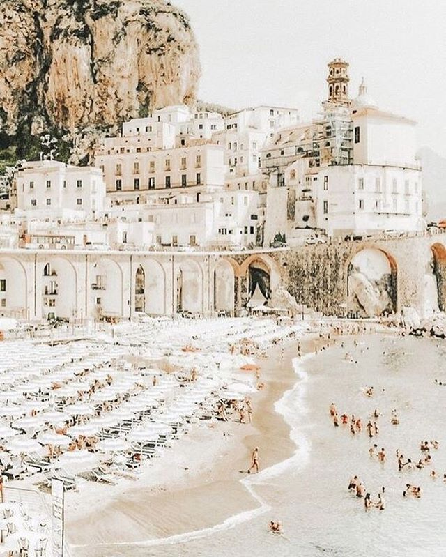 The Amalfi Coast was made for summer ☀️🇮🇹 #wanderlust #wanderlustwednesday #amalfi #amalficoast #italia #vivaitalia #ladolcevita #travel #travelphotography #travelphoto #travelpics #travelmore #summerescape #journey #thejourney #thejourneyisthereward #summer #summertime