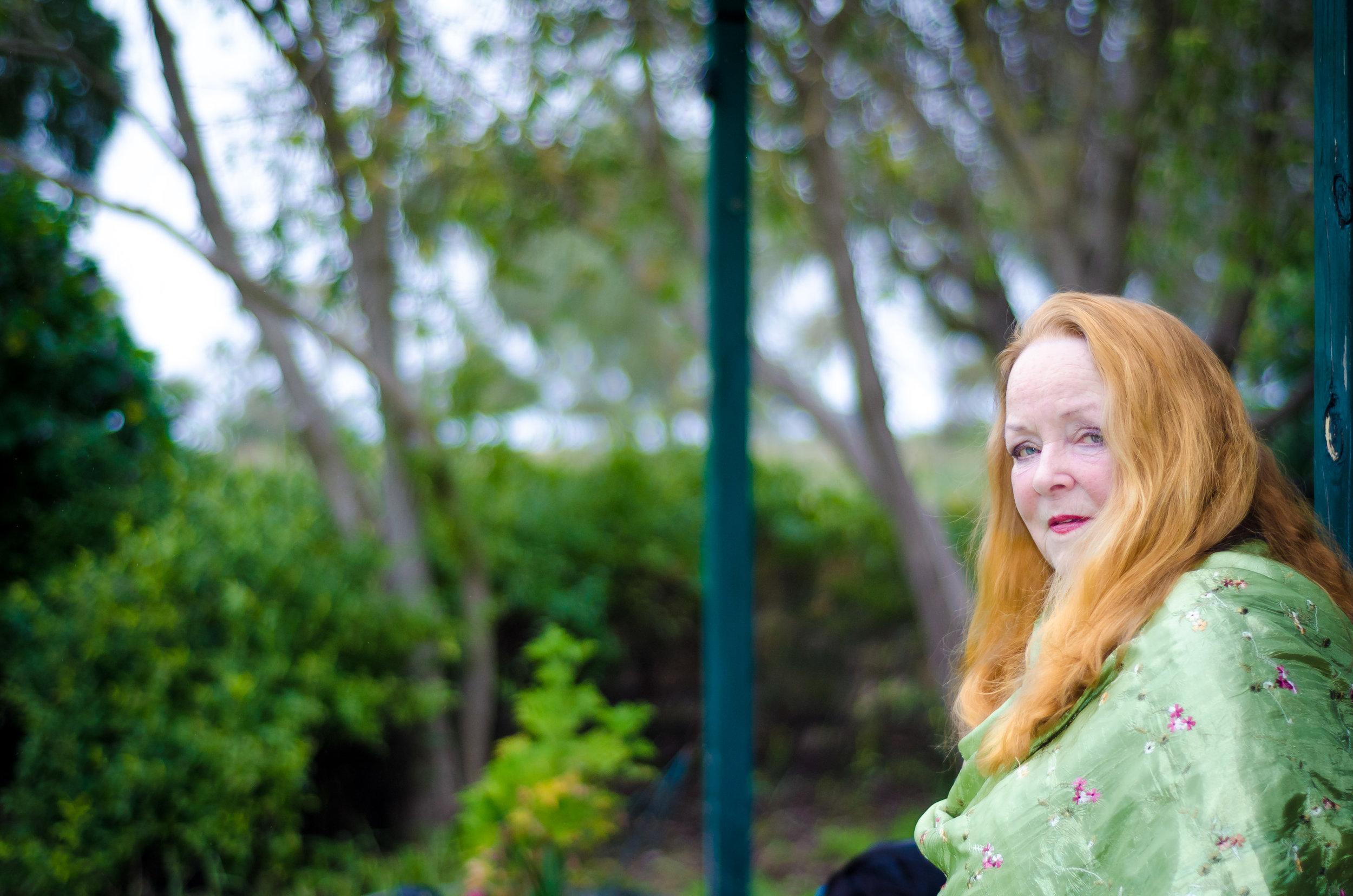 Lady in Green 2.jpg