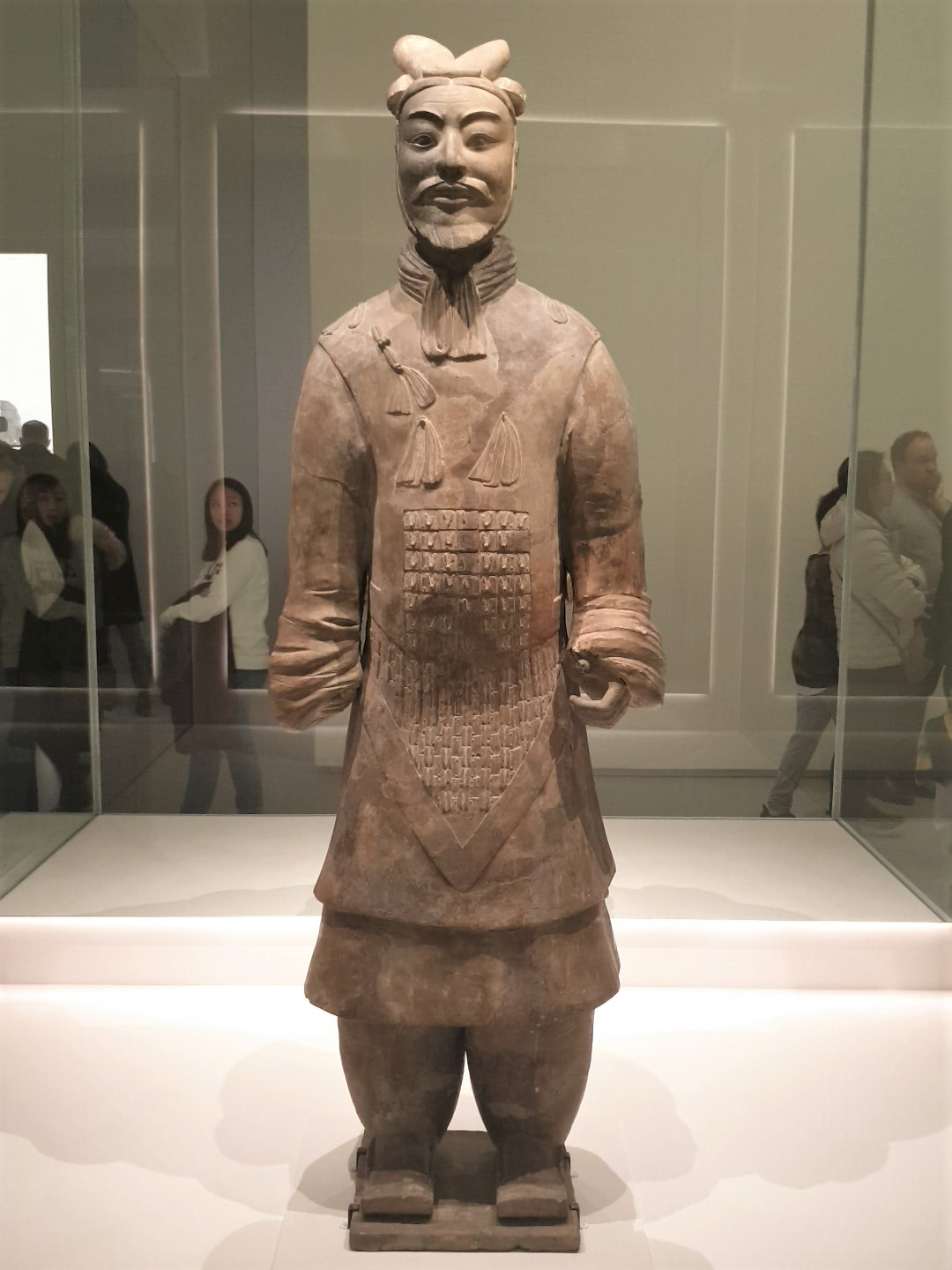 Unarmoured General. Qin Dynasty 221-207 BCE. Earthenware. Photograph by Rasheeda Wilson, used with permission.