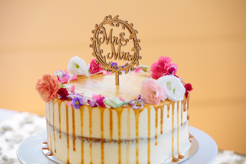 affordable-wedding-cake.jpg