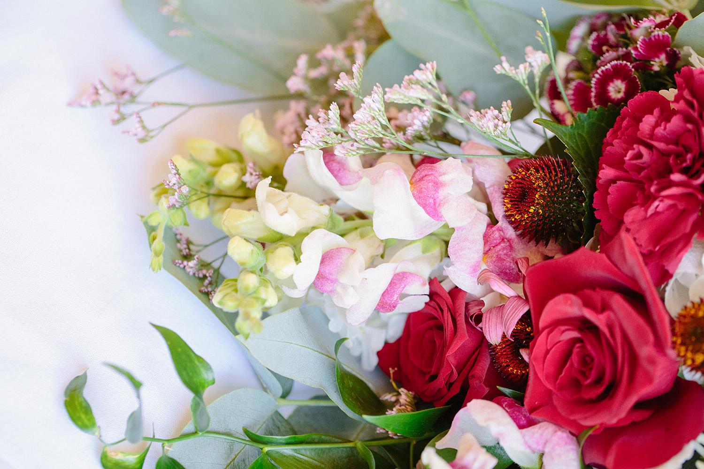 floral-details-small-wedding.jpg