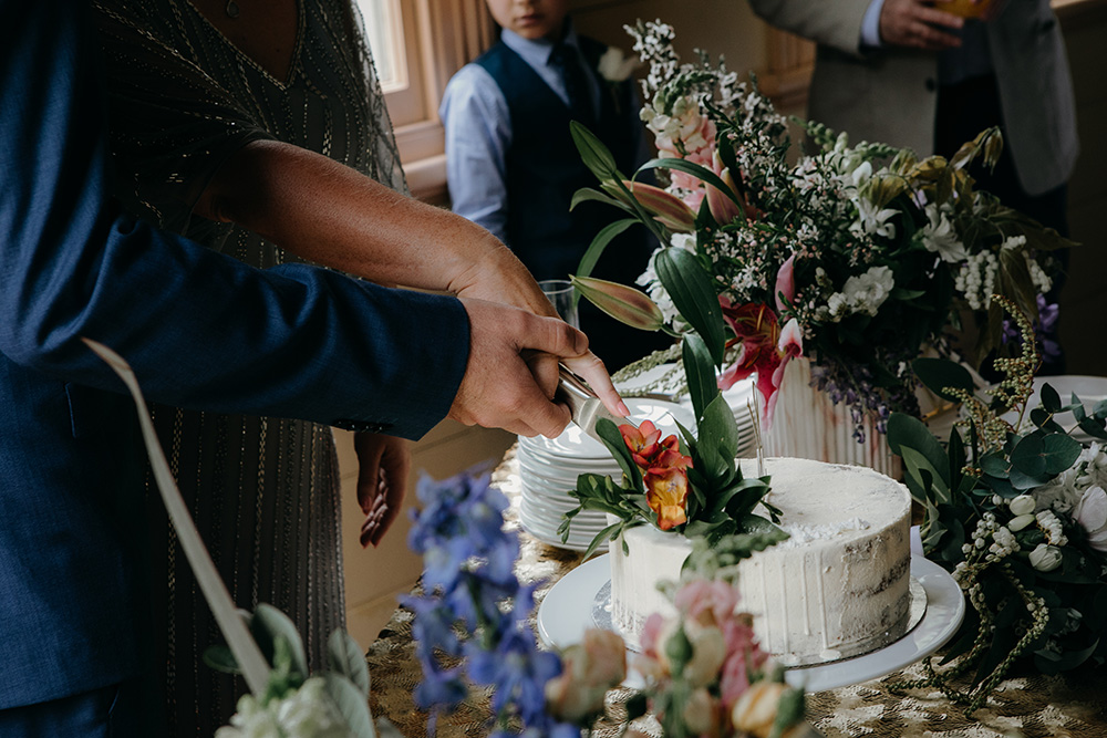pop-up-wedding-cake.jpg