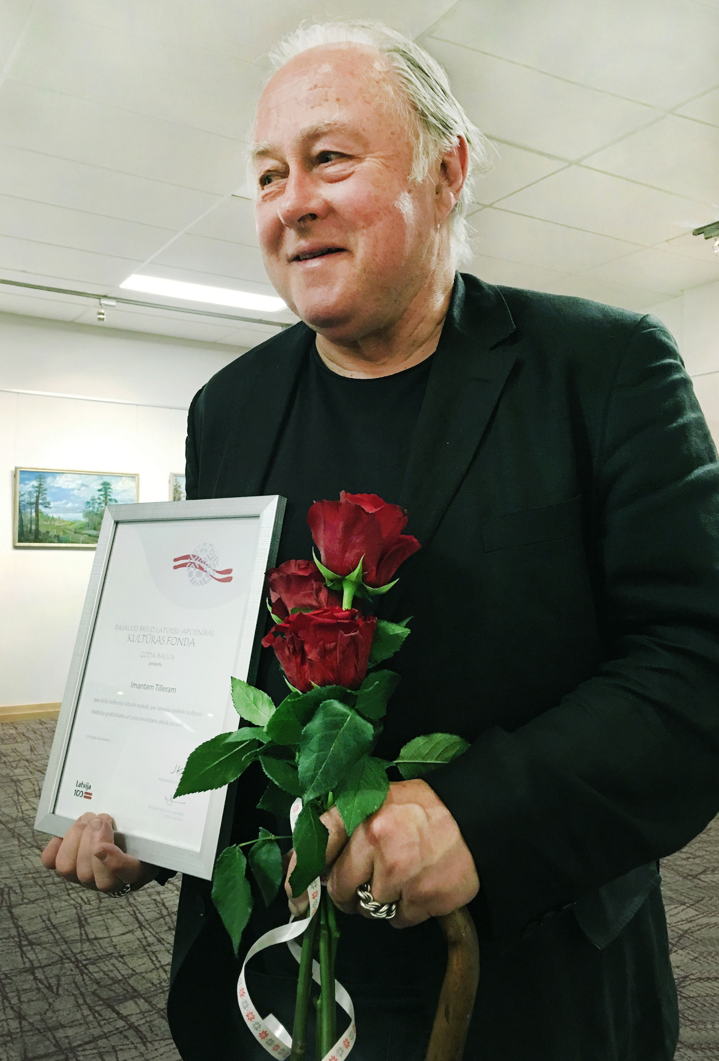 Imants Recieving the Award of Honour, Kuutras Fonda.jpg