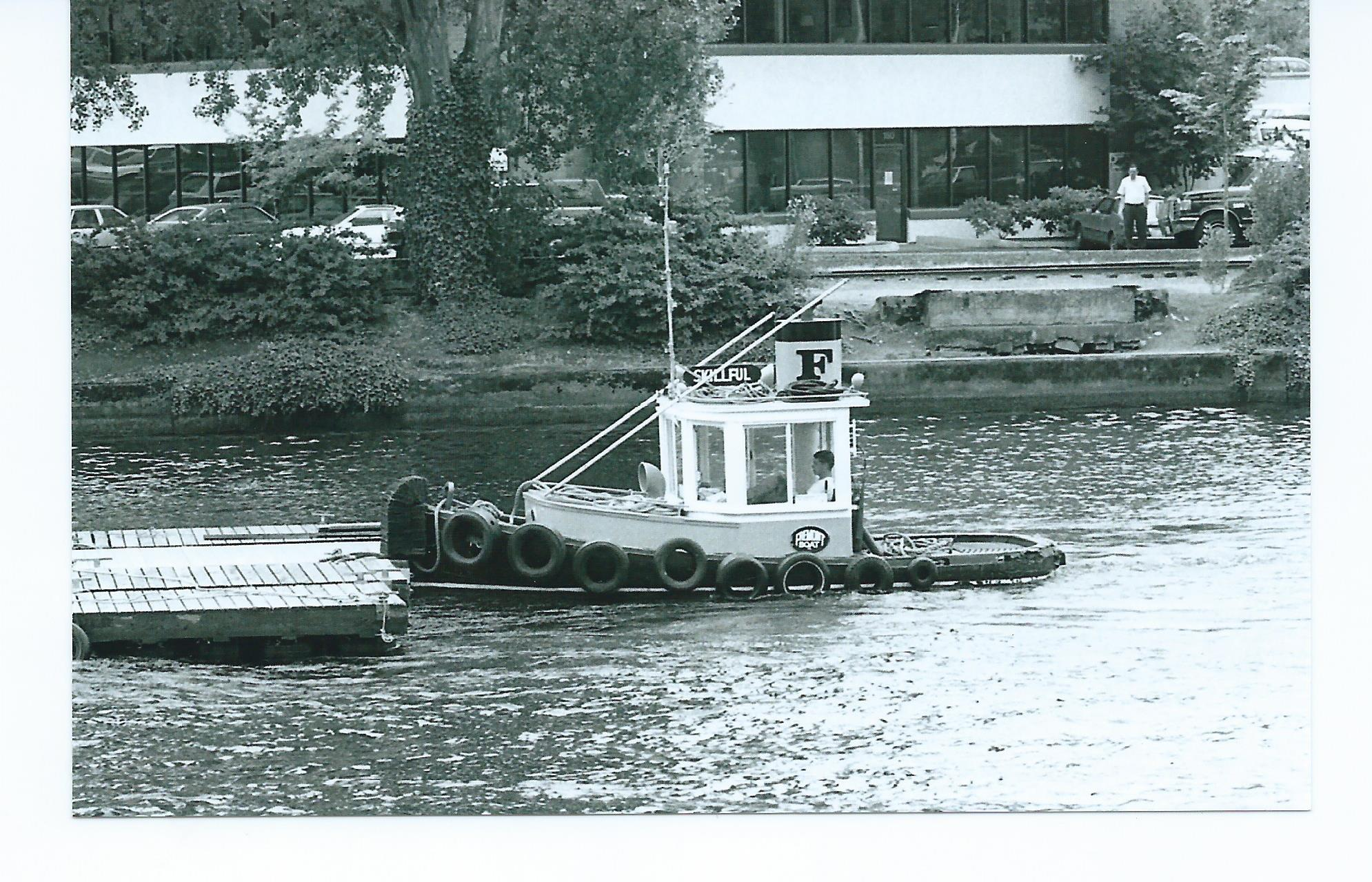 FREMONT TUGS SKILLFULL TAILING BOATS AFLOAT SHOW FLOATS..jpg