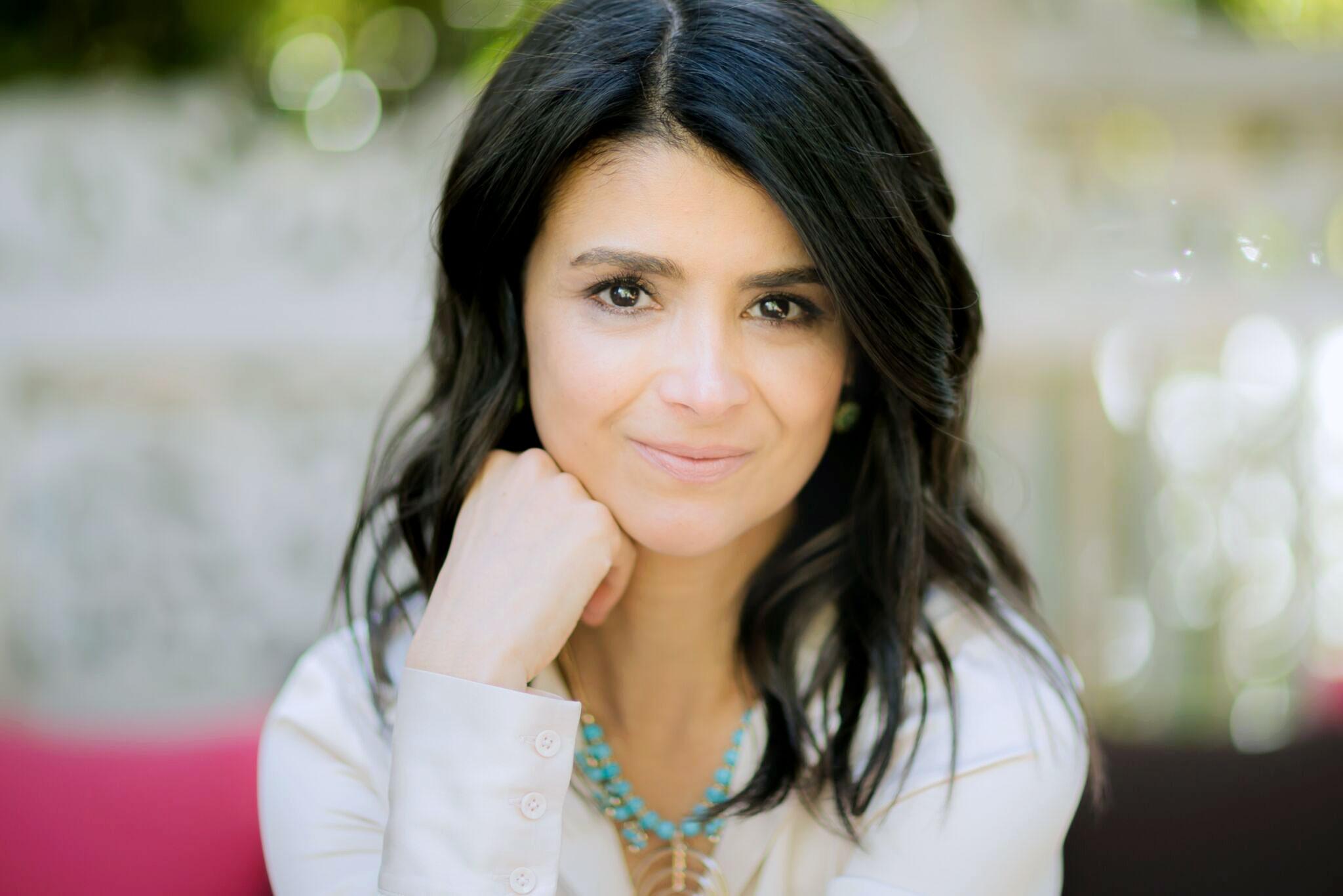 ANA FLORES  Founder &CEO, #WeAllGrow Latina Network