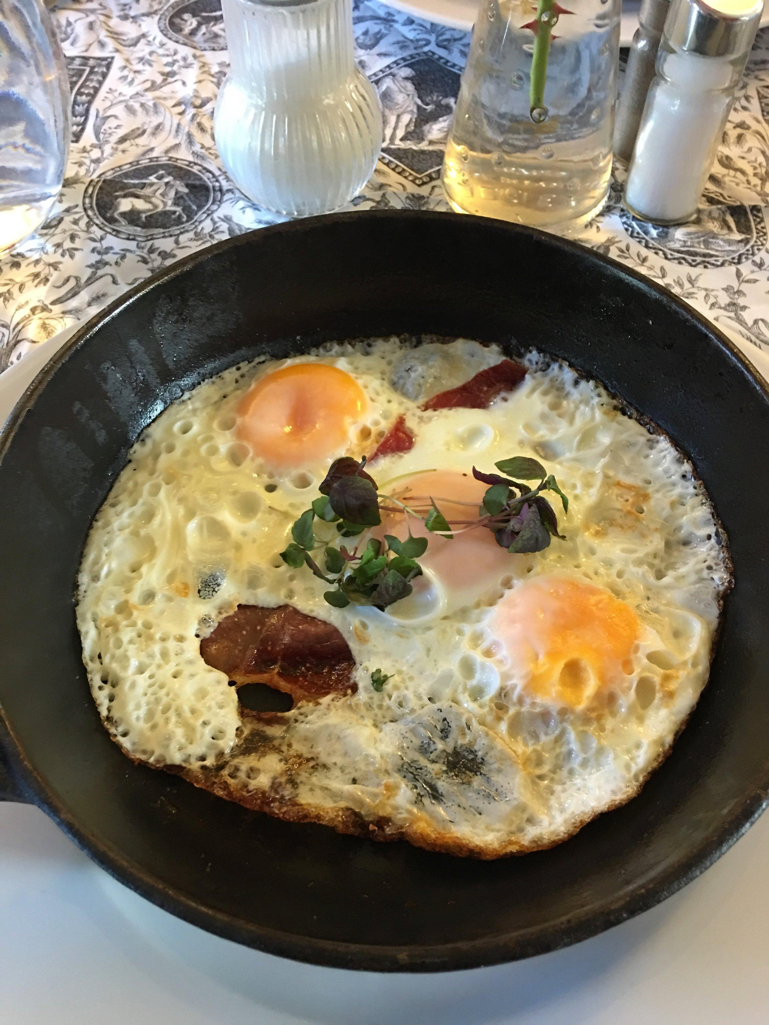 Károlyi Bacon & Eggs