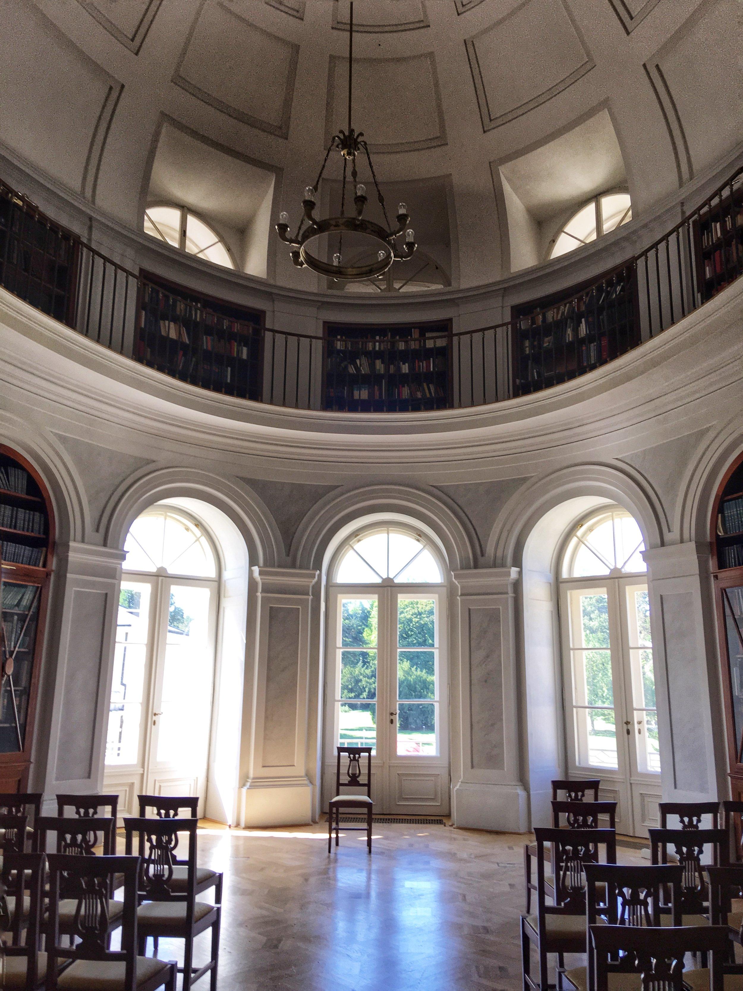 Károlyi Library