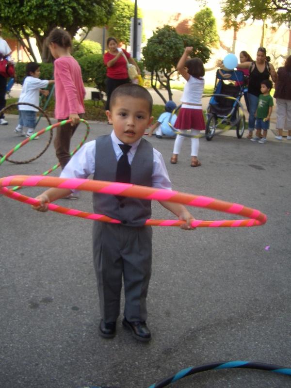 kcet-hula-hoops-2009-022_orig.jpg