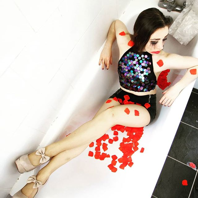 This time last month I was feeling sad and alone but now I've got so many friends, followers & fans supporting my insta journey! And TONIGHT I have a big party to celebrate my birthday with all of you!  #27Club #SMS🎈🎂🍸 #partytime #partyvibes #girl #selfie #rosepetals #bathtub #highheels #poser #celebstyle #instafamous #picoftheday #photooftheday #followers #fans #modelbehaviour #itsmybirthday #bday