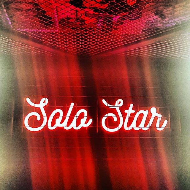 S o l o  S t a r ⭐ L❤ve this new light fitting for my party, sums me up perfectly, don't you think? #solo #star #celebrity #celebstyle #starontherise #lightshow #allofthelights #redlight #partyvibes #partygirl #instafamous #celebration #red #picoftheday #photooftheday #followforfollow #partytime🎉