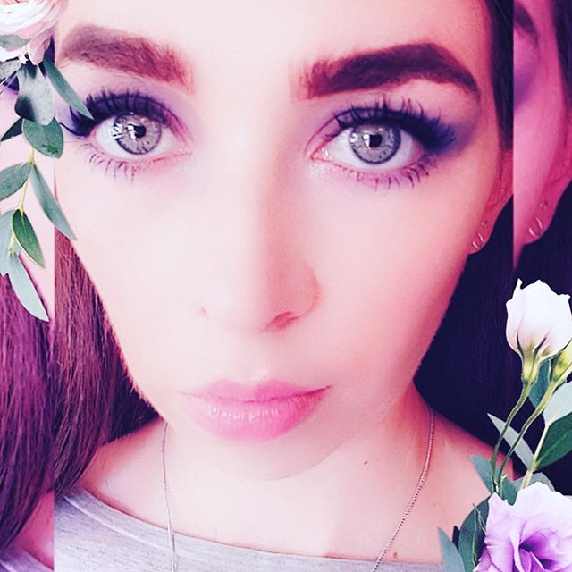 S u m m e r  T i m e 🌸 // Got some exciting things happening at the moment, can't wait to share with all my friends & fans! #instafamous  ________________________________ #eyes #filter #eyebrows #pout #pose #modelbehaviour #model #lips #mua #makeup #makeupinspo #celebstyle #fashion #bloggerunder5k #bohostyle #loveisland #almostfamous #celebrity #27club #sms #girl #style #summer #floral #flowers #girlpower #90skid #socialmediasuicide #follow4follow