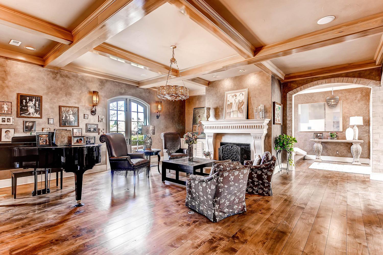 6 Ravenswood Drive Buell-large-077-77-Lower Level Living Room-1500x1000-72dpi.jpg