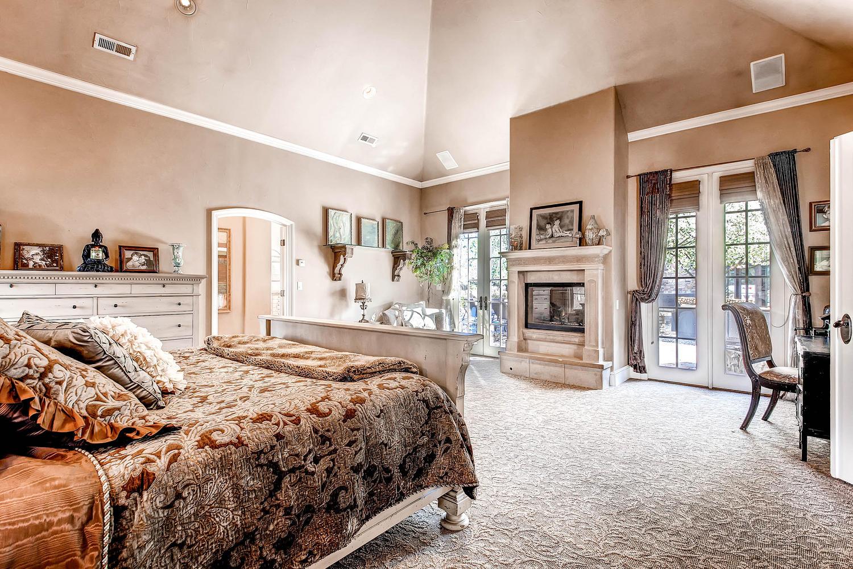 6 Ravenswood Drive Buell-large-033-33-Master Bedroom Suite-1500x1000-72dpi.jpg