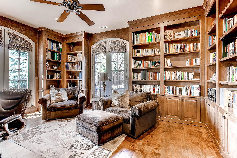 6 Ravenswood Drive Buell-large-031-31-Library-1500x1000-72dpi.jpg