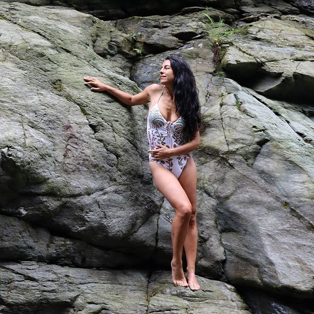 SOMMER... . . . . Werbung #sun #sunrise #sea #view #beauty #coldwater #feelsgood #freespirit #naturalista #naturalbody #bodypositive #bodytransformation #bodyhealing #beachlife #greenlifestyle #beachbody #beachwear #nature #naturelove #love #modeling #vacancy #southtyrol #sonne #südtirol #urlaub #travelphotography #modelsearch #photooftheday #beachwear #südtirol