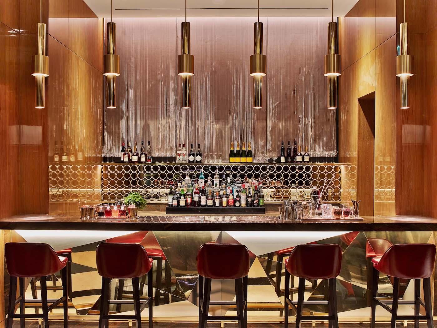 Four-Seasons-DIFC-Dubai-Woven-Metal-Glass-Lamination-Wall-Covering-Hanging-Panels-Sophie-Mallebranche-Paris