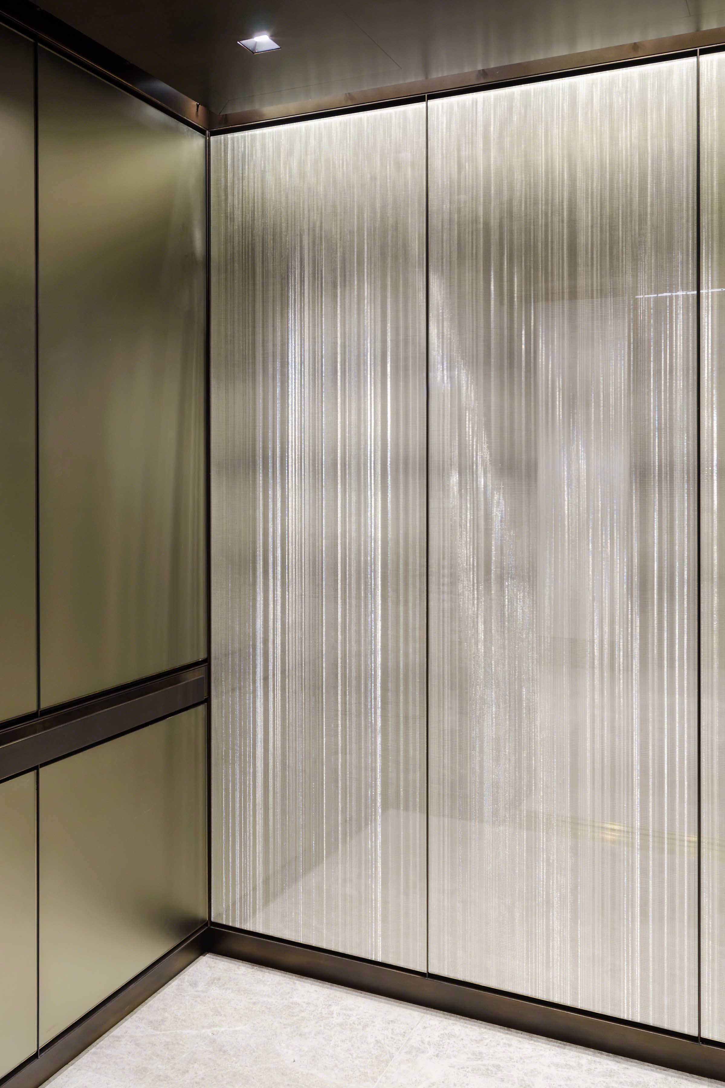 Washington-DC-USA-Office-Building-Project-Elevator-Woven-Metal-Glass-Lamination-Sophie-Mallebranche-Paris