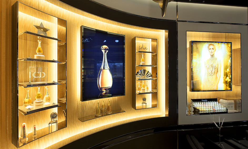 Sophie-Mallebranche-Luxury-Materials-Woven-Metal-Wall-Coverings-Dior-Flagship