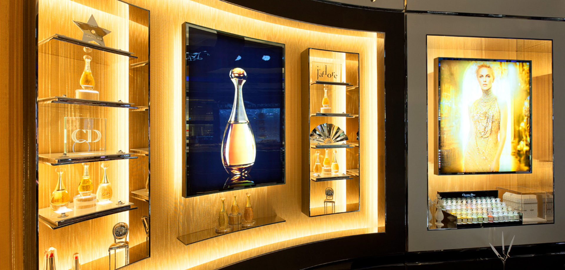 Sophie-Mallebranche-Wall-Coverings-Christian-Dior-Parfums-Flagships