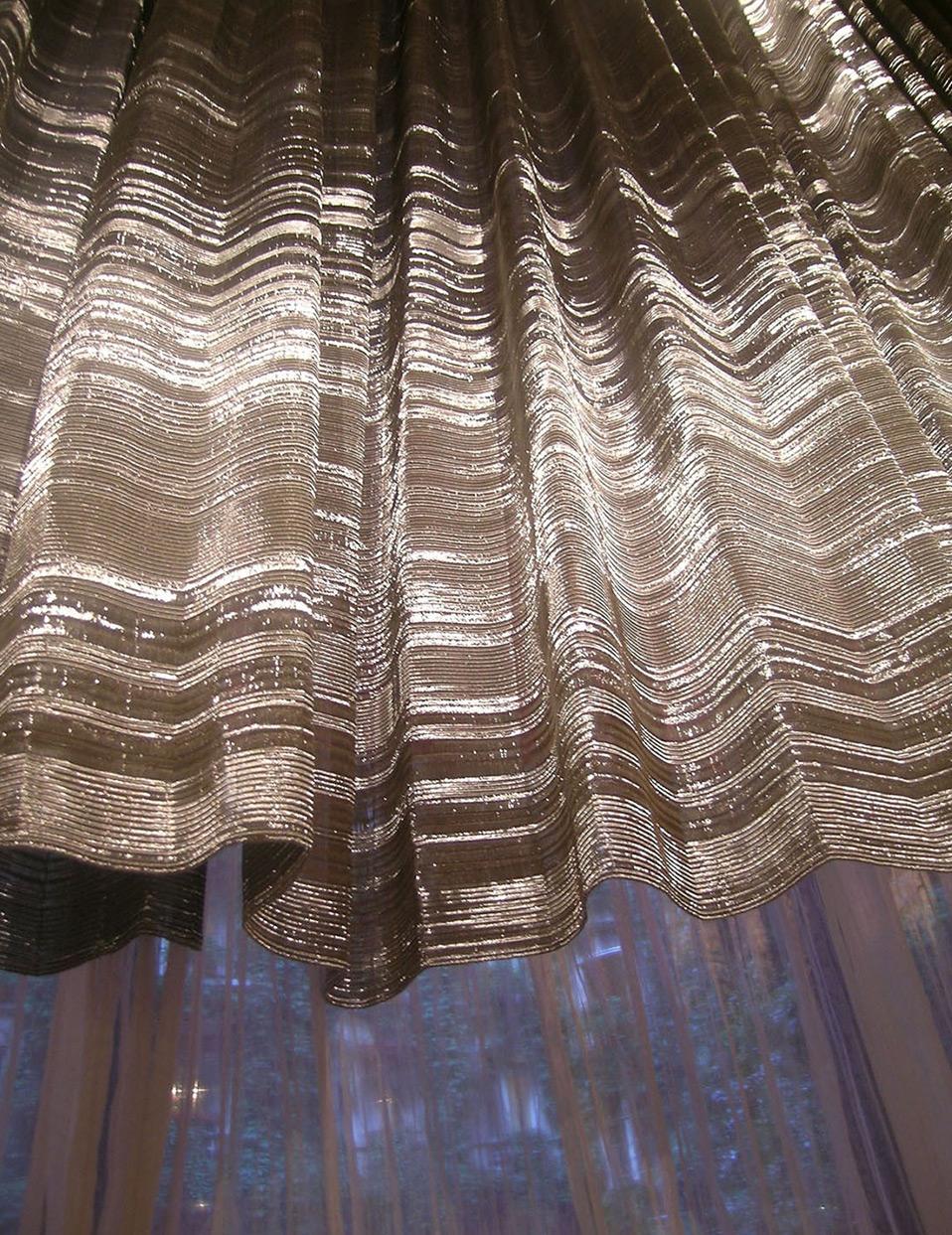 Sophie-Mallebranche-Plaza-Athenee-Restaurant-Hotel-Paris-Monumental-Curtains