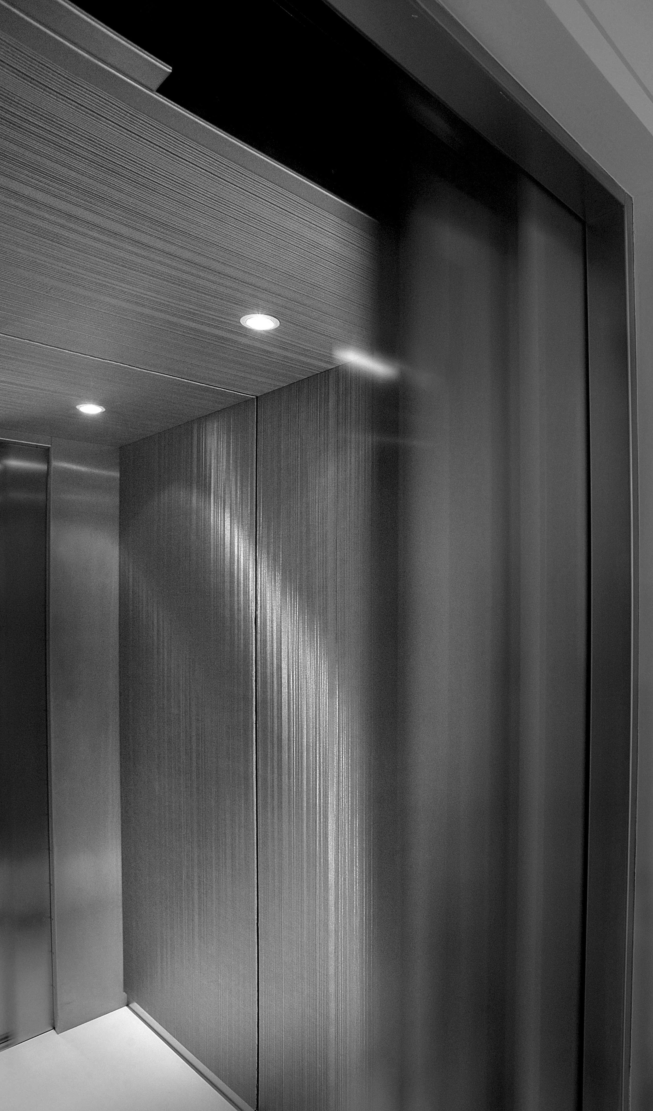 PARIS_PRIVATE_ELEVATOR_5.jpg