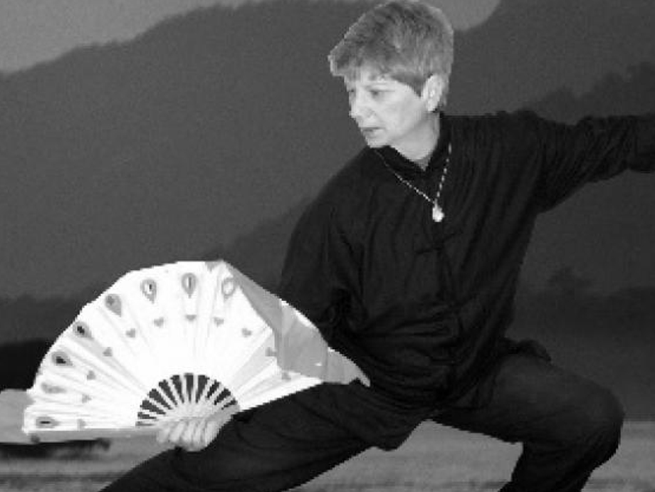 Penny Klein, PT, EdD  5th Generation - Wu Yi Jie He Family System  Certified Therapeutic QiGong & Tai Chi Instructor  Doctor Klein started martial arts in 1987, first studying karate then judo where she holds a black belt and competed internationally.She has been studying and teaching tai chi/qigong for health promotion since 1999 and is also trained in Reiki.Her research on therapeutic applications of taiji/qigong has been published in leading medical journals. Her most recent work addresses Qigong in cancer care.  Buffalo, New York  email: kleinqpj@gmail.com  www.facebook.com/qpjklein/