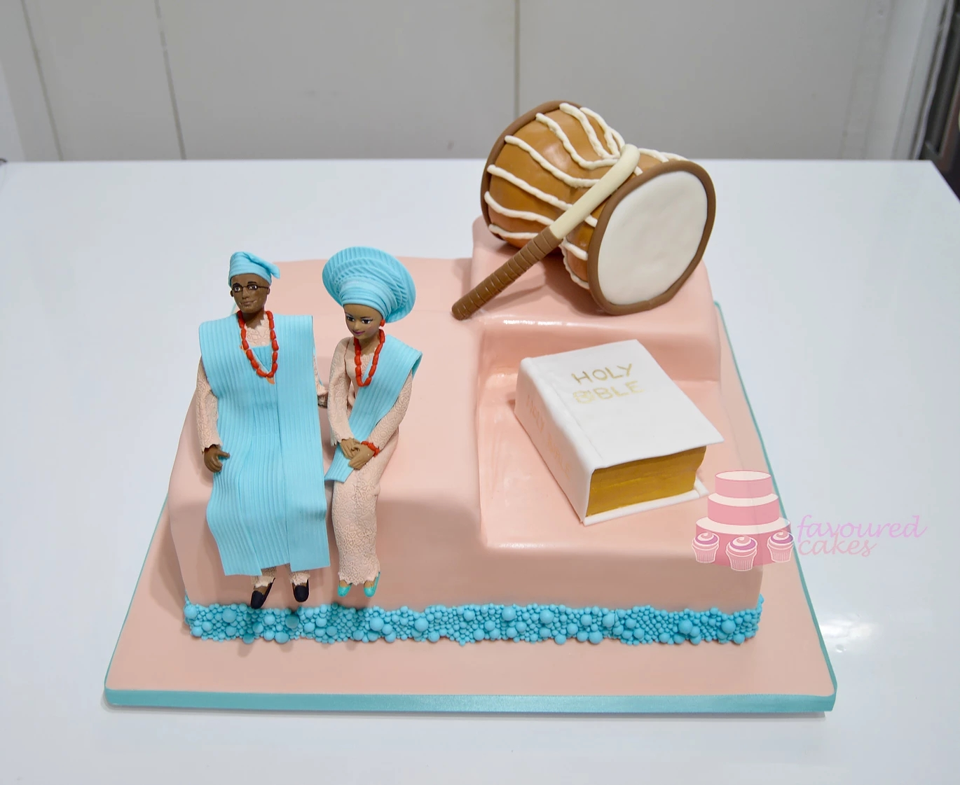 Square Traditional African Wedding Cake SQ02