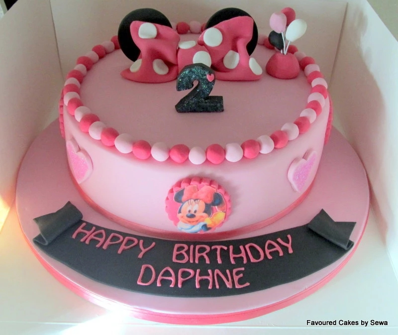 Minnie Mouse Bow Cake MM05