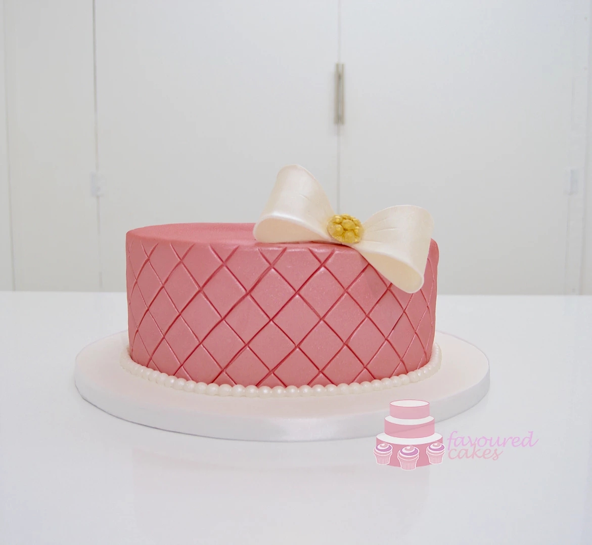 Pink Quilted Bow cake