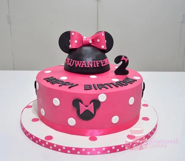 Minnie Mouse Ears Cake MM04