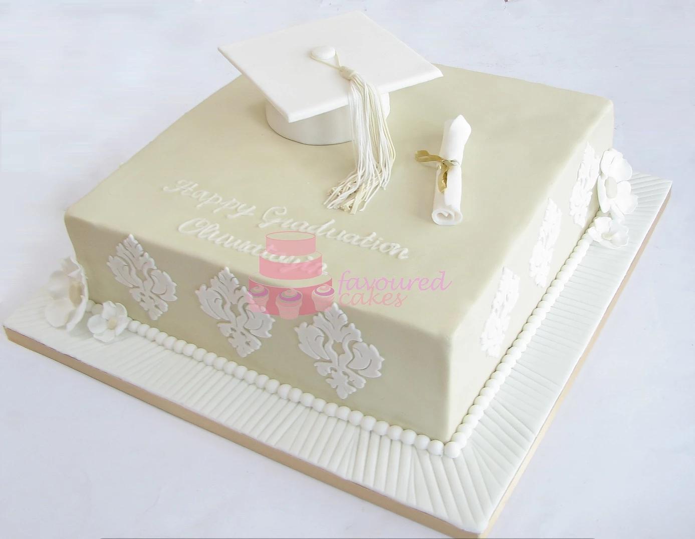 graduation cakes belvedere kent_3.jpg