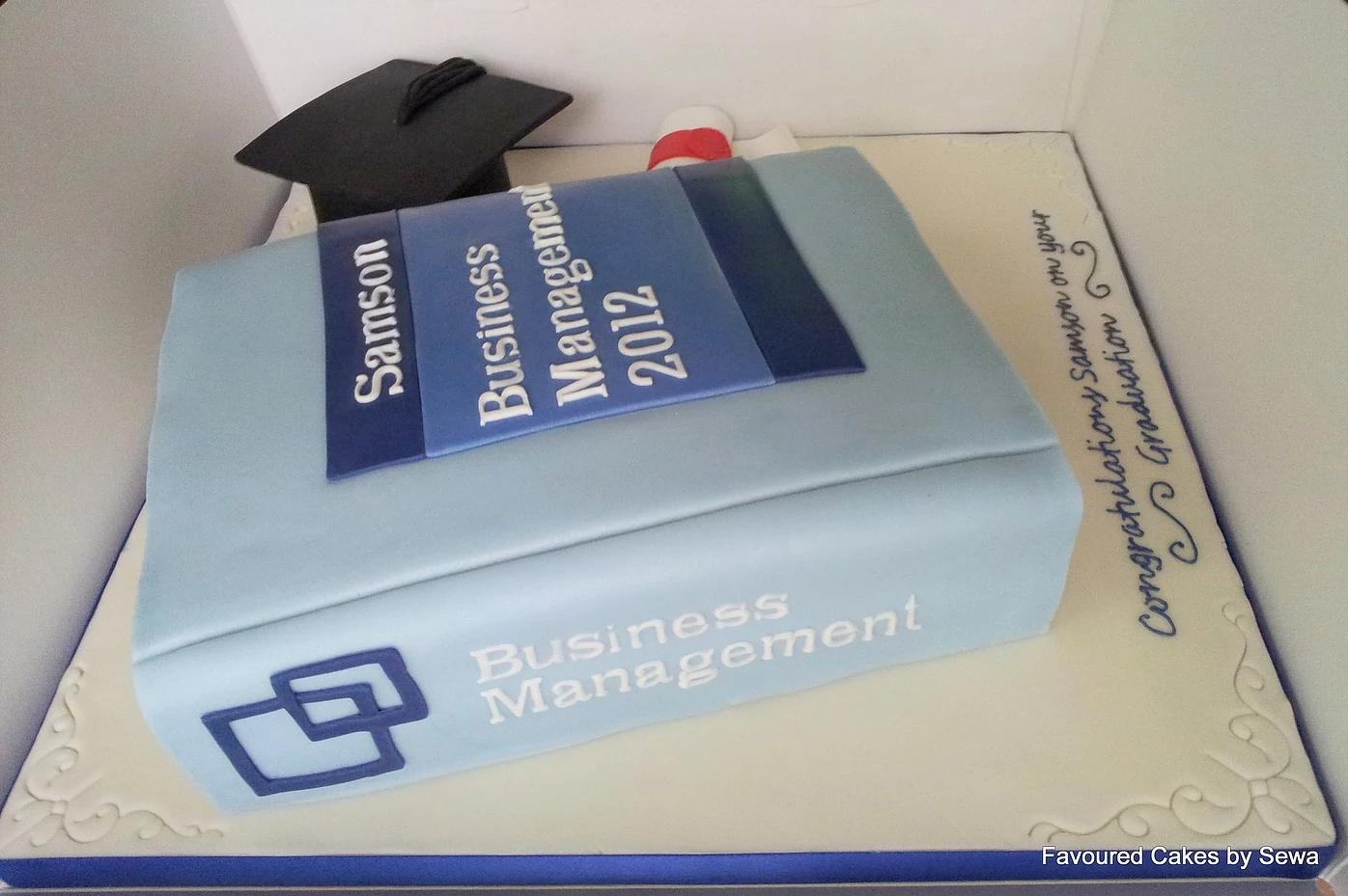 graduation cakes belvedere kent_6.jpg
