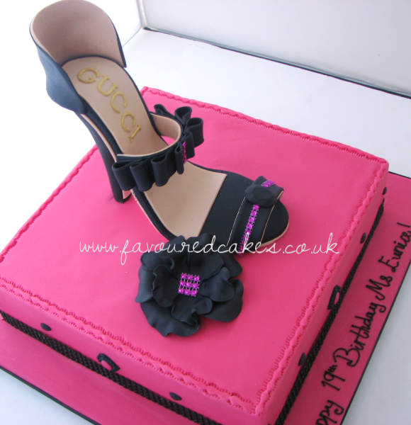 Ruffle Shoe cake SH02
