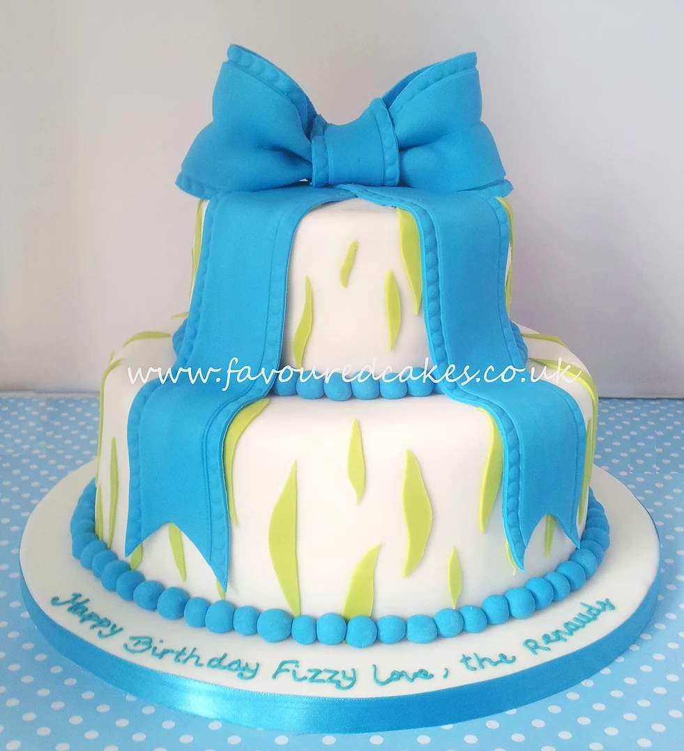 Zebra Effect Bow Cake