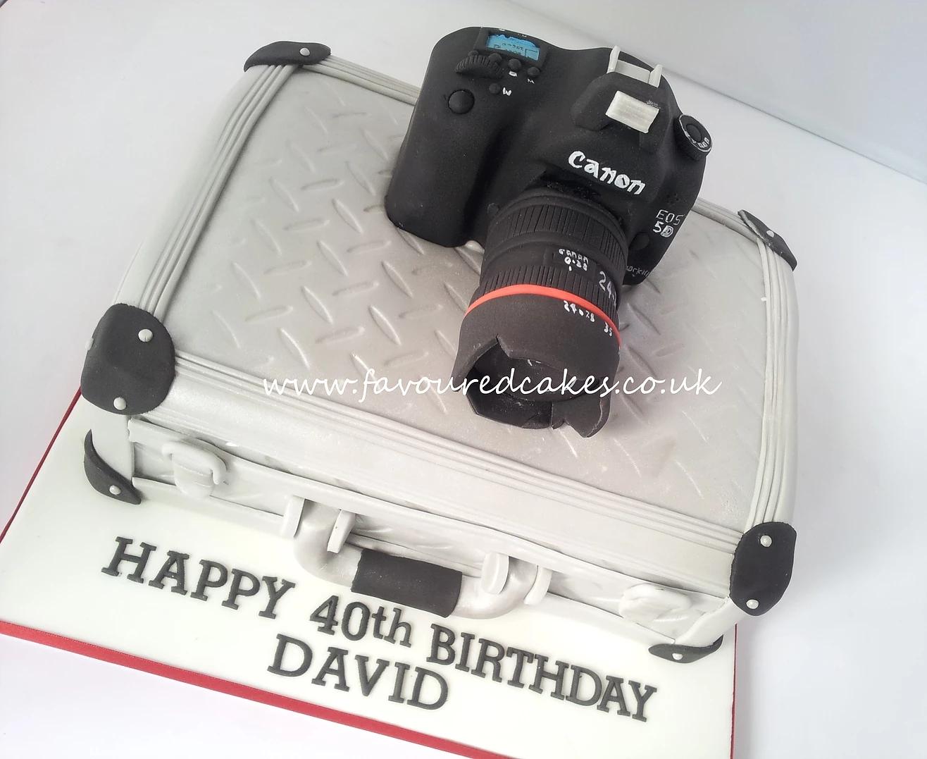 Camera & Camera Box Cake CB02