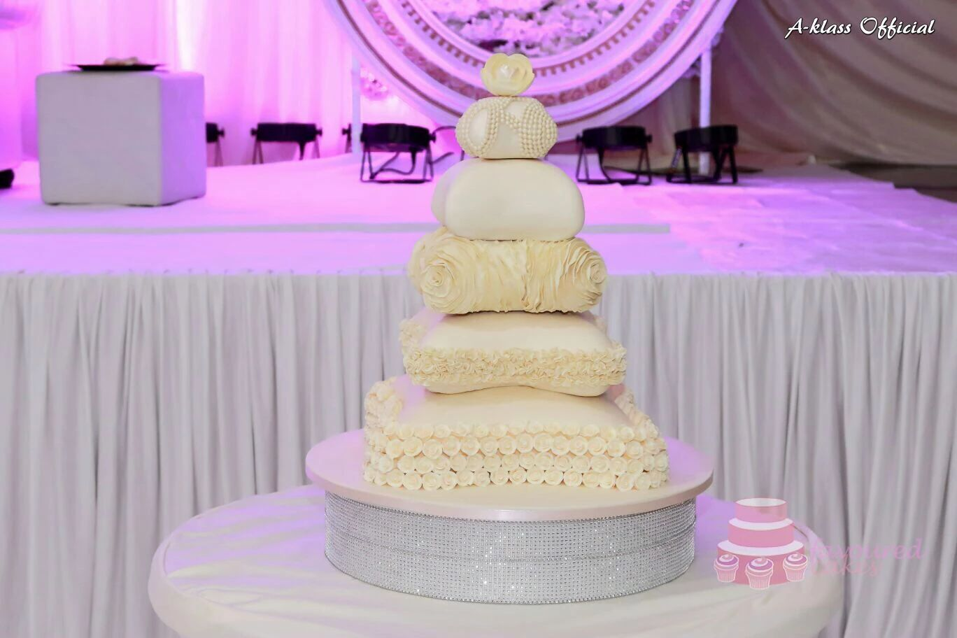 Luxury Pillow Wedding Cake
