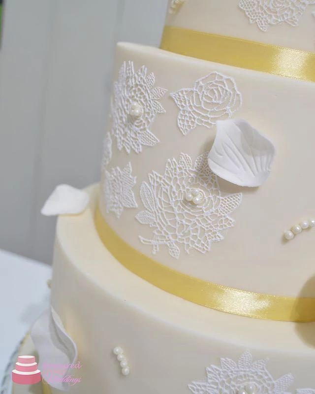 Emily Lace Wedding Cake