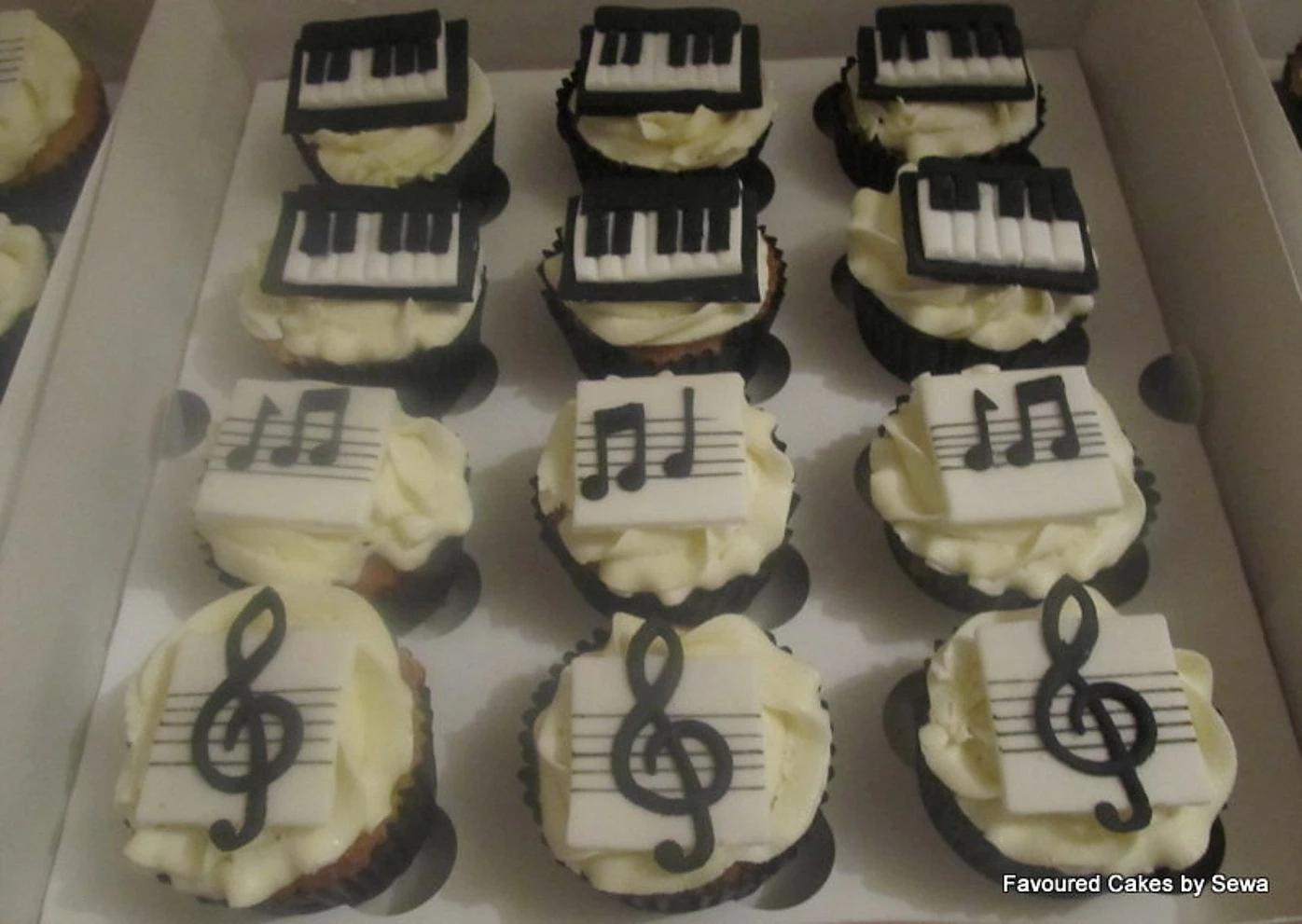 Musical Notes & Piano Cupcakes