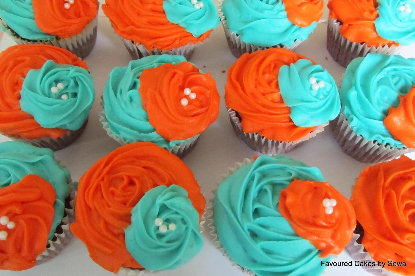 Rose Corsage Wedding Cupcakes