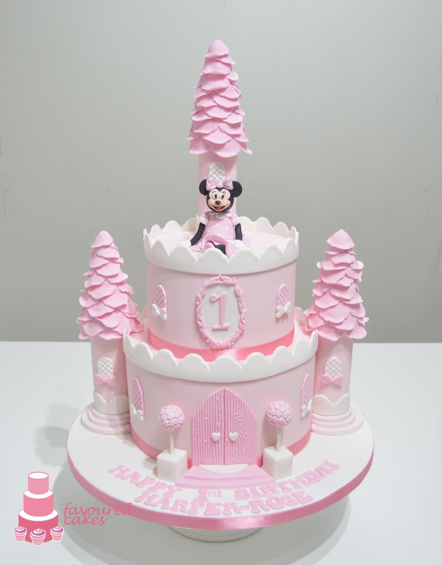 Minnie Mouse Castle Cake
