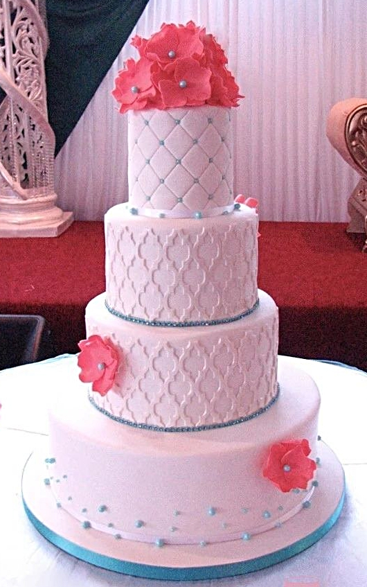 Ruffle flower & Lattice Wedding Cake