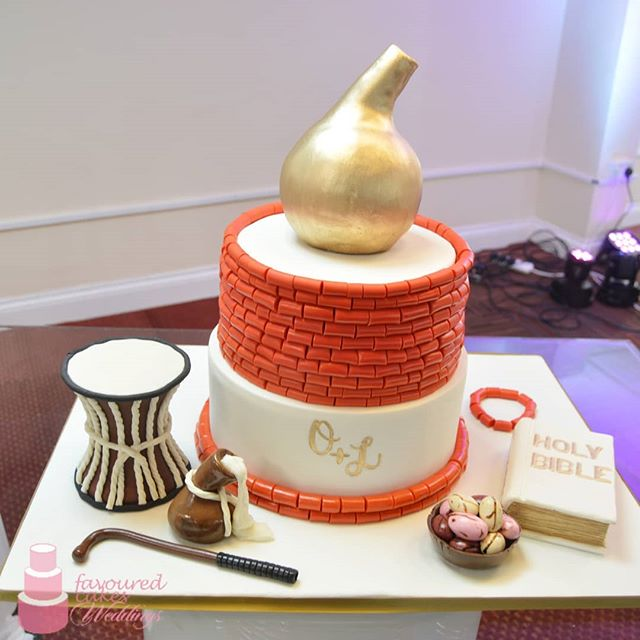 #nigerianwedding #nigeriancakespecialist #nigeriantraditionalwedding #africanweddingcakes #africanwedding #africantradition #nigeriantradition #wedding #weddingcake #nigerianwedding #naijalove #9jalove #romance #love #shesaidyes #wesaidido #2019wedding #2019bride #2019groom #marriage #calabash #talkingdrum #bible #coralbeads