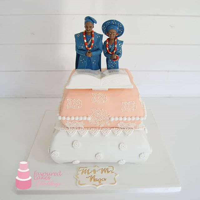 Traditional... #traditionalweddingcakespecialist #traditionalwedding #peach #white #prayingcouple #blue #pillow #cushion #nigeriantradition #nigerianwedding #naijalove #wedding #love #shesaidyes #wesaidido